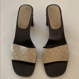 Vintage authentic Gucci shoes tan suede
